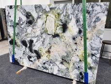Supply polished slabs 0.8 cm in natural marble AMAZONIA 1386. Detail image pictures
