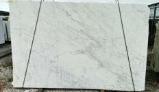 Supply sawn slabs 0.8 cm in natural marble CALACATTA ARNI Z0195. Detail image pictures