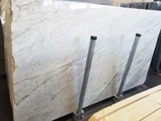 Supply polished slabs 0.8 cm in natural marble CALACATTA ARNI Z0175. Detail image pictures