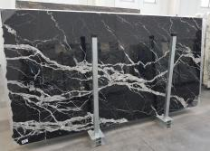 Supply polished slabs 0.8 cm in natural marble CALACATTA BLACK 1459. Detail image pictures