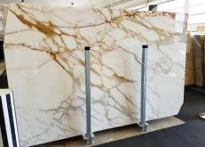 Supply polished slabs 0.8 cm in natural marble CALACATTA BORGHINI AA S0345. Detail image pictures