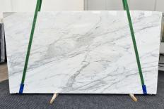 Supply polished slabs 0.8 cm in natural marble CALACATTA CARRARA 1358. Detail image pictures