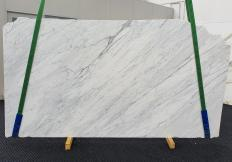 Supply honed slabs 0.8 cm in natural marble CALACATTA CARRARA 1313. Detail image pictures