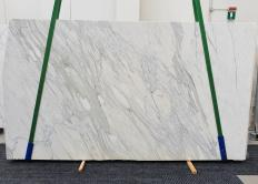 Supply polished slabs 0.8 cm in natural marble CALACATTA CREMO 1427. Detail image pictures