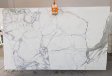 Supply honed slabs 0.8 cm in natural marble CALACATTA EXTRA 1145. Detail image pictures