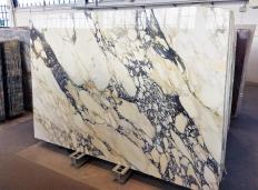 Supply polished slabs 0.8 cm in natural marble CALACATTA FIORITO Z0052. Detail image pictures