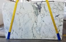 Supply sawn slabs 0.8 cm in natural marble CALACATTA MONET Z0200. Detail image pictures