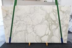 Supply polished slabs 1.2 cm in natural marble CALACATTA ORO 1274. Detail image pictures