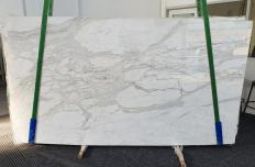 Supply polished slabs 0.8 cm in natural marble CALACATTA ORO 1286. Detail image pictures
