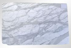 Supply honed slabs 0.8 cm in natural marble CALACATTA ORO M2020088. Detail image pictures