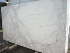 Supply polished slabs 0.8 cm in natural marble CALACATTA ORO EM_0472. Detail image pictures
