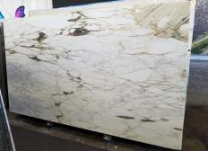 Supply polished slabs 0.8 cm in natural marble CALACATTA VAGLI VENA FINA Z0045. Detail image pictures