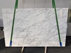 Supply polished slabs 1.2 cm in natural marble CALACATTA VAGLI VENA FINA GL 1128. Detail image pictures