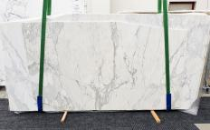 Supply honed slabs 0.8 cm in natural marble CALACATTA 14271. Detail image pictures