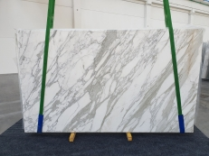 Supply polished slabs 0.8 cm in natural marble CALACATTA 1228. Detail image pictures