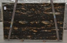 Supply polished slabs 1.2 cm in natural granite MAGMA BQ01825. Detail image pictures