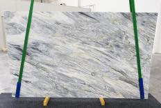 Supply honed slabs 0.8 cm in natural marble MANHATTAN GREY 1207. Detail image pictures