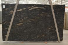 Supply honed slabs 1.2 cm in natural granite orion Q02425. Detail image pictures