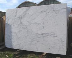 Supply polished slabs 1.2 cm in natural marble STATUARIETTO E-US524. Detail image pictures