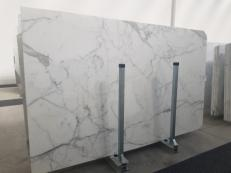 Supply polished slabs 0.8 cm in natural marble STATUARIO GL 1111. Detail image pictures