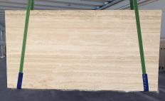 Supply honed slabs 0.8 cm in natural travertine TRAVERTINO ROMANO CHIARO BARCO 1262. Detail image pictures