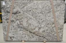 Supply polished slabs 0.8 cm in natural granite WHITE WAVE BQ01435. Detail image pictures