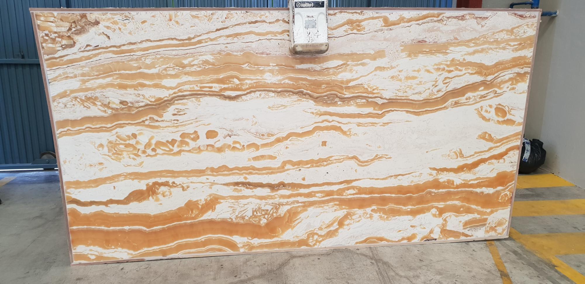 Alabaster Supply Alicante (Spain) polished slabs alabaster , 1 natural onyx