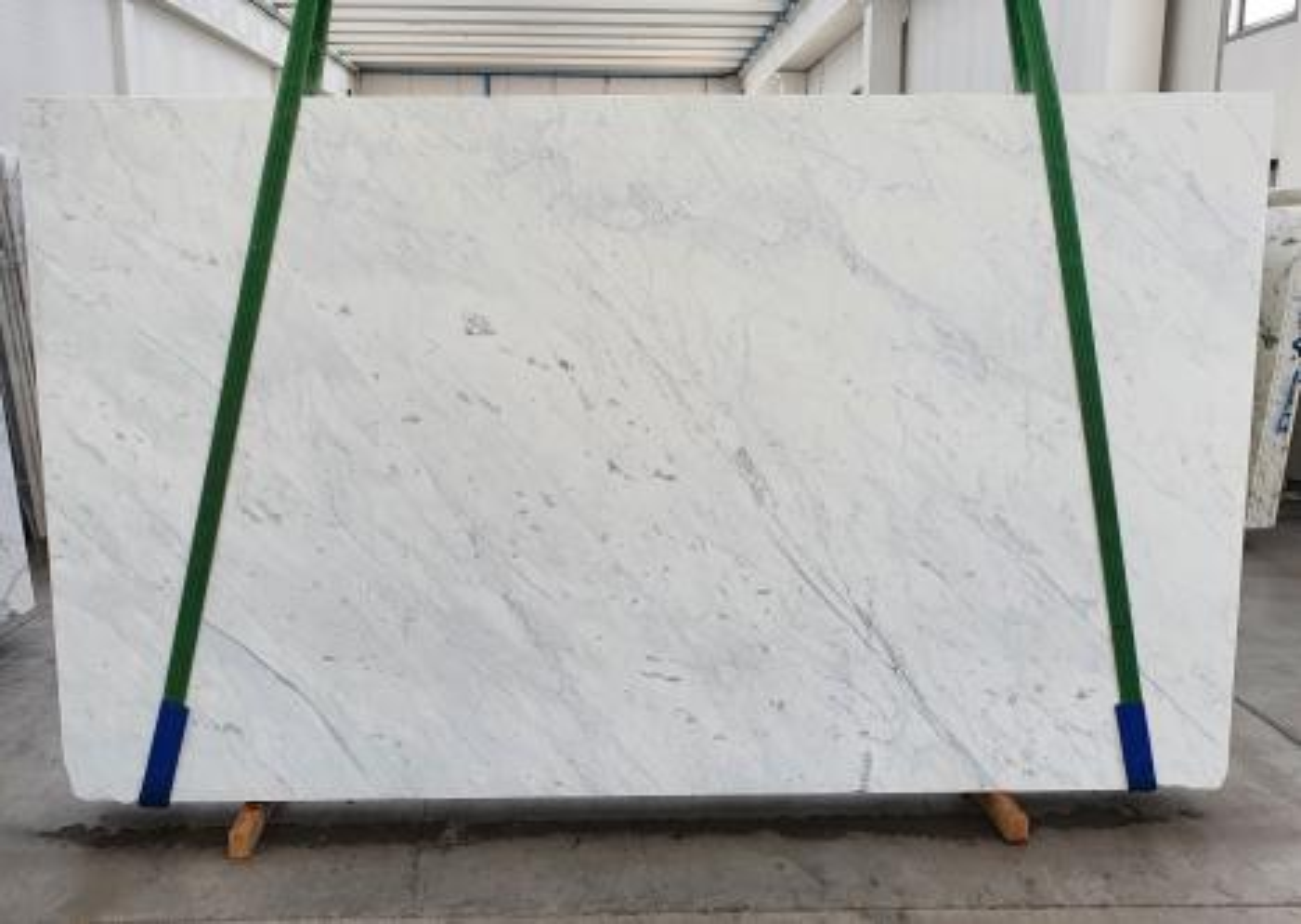 BIANCO CARRARA C Supply Veneto (Italy) polished slabs 1441 , Slab #07 natural marble