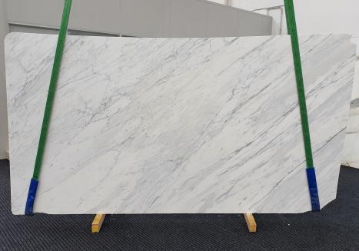 CALACATTA CARRARA Supply Veneto (Italy) honed slabs 1313 , Slab #11 natural marble
