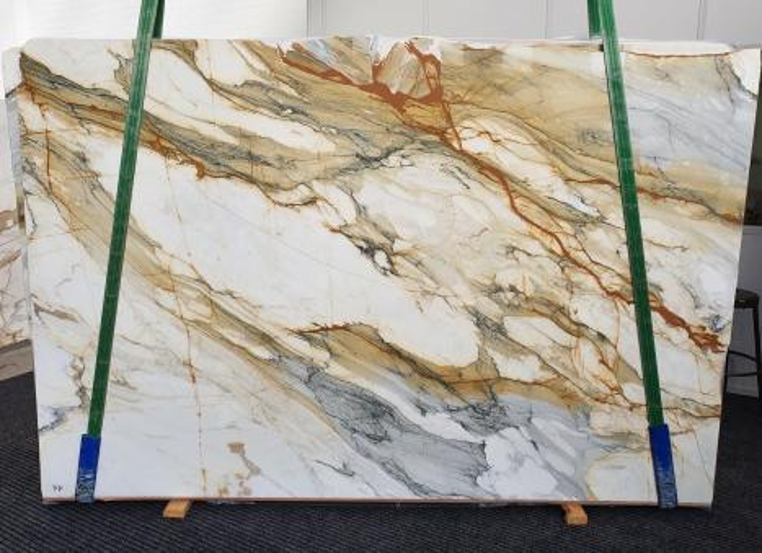 CALACATTA MACCHIAVECCHIA Supply Veneto (Italy) polished slabs 1422 , Slab #11 natural marble