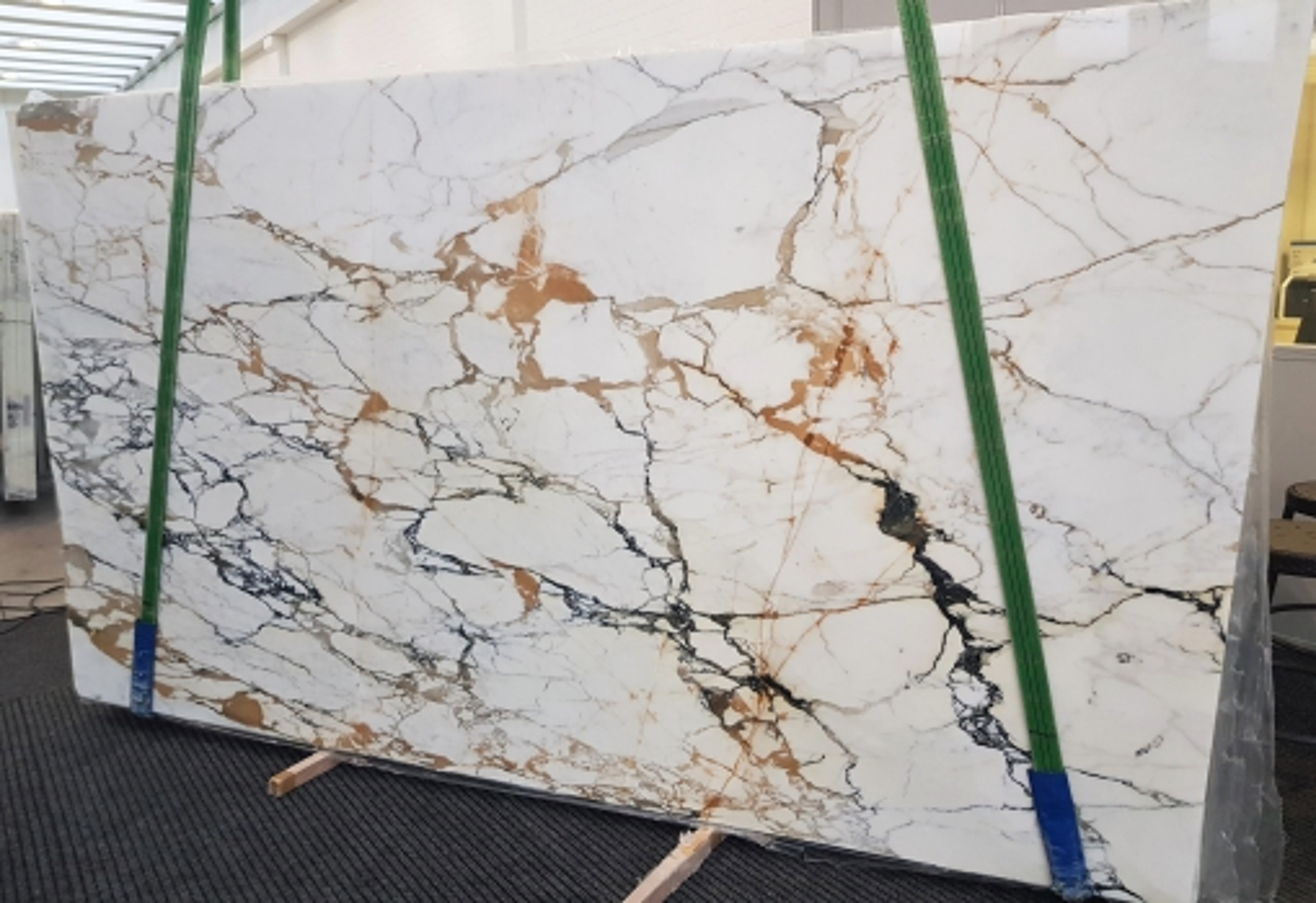 CALACATTA MACCHIAVECCHIA polished slabs GL 1131 , Bundle #3 natural marble