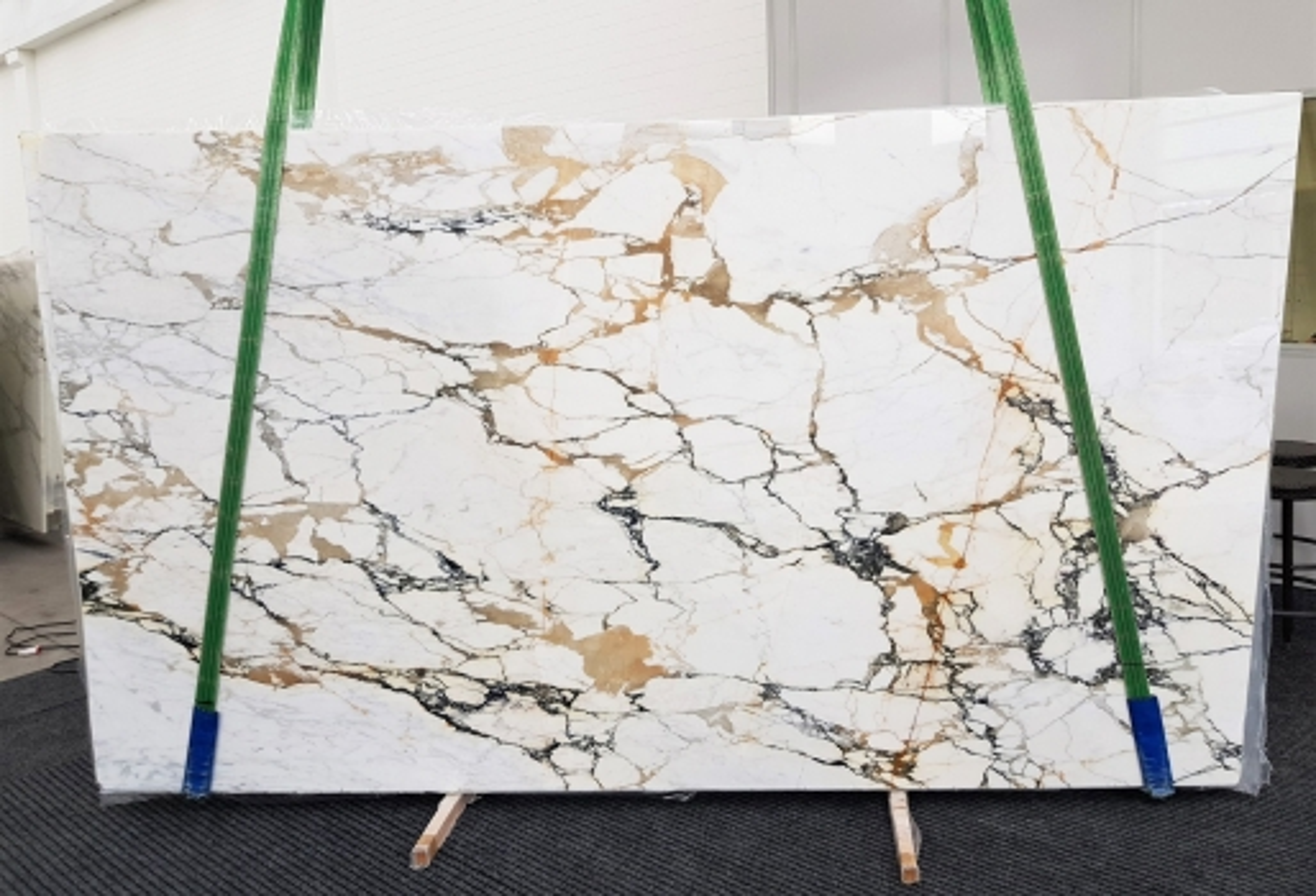 CALACATTA MACCHIAVECCHIA polished slabs GL 1131 , Bundle #5 natural marble