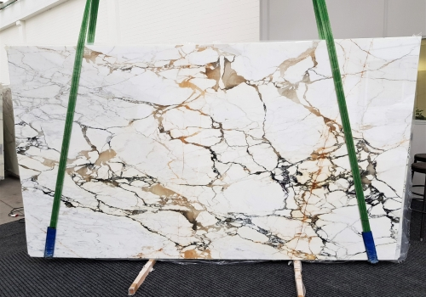 CALACATTA MACCHIAVECCHIA polished slabs GL 1131 , Bundle #6 natural marble