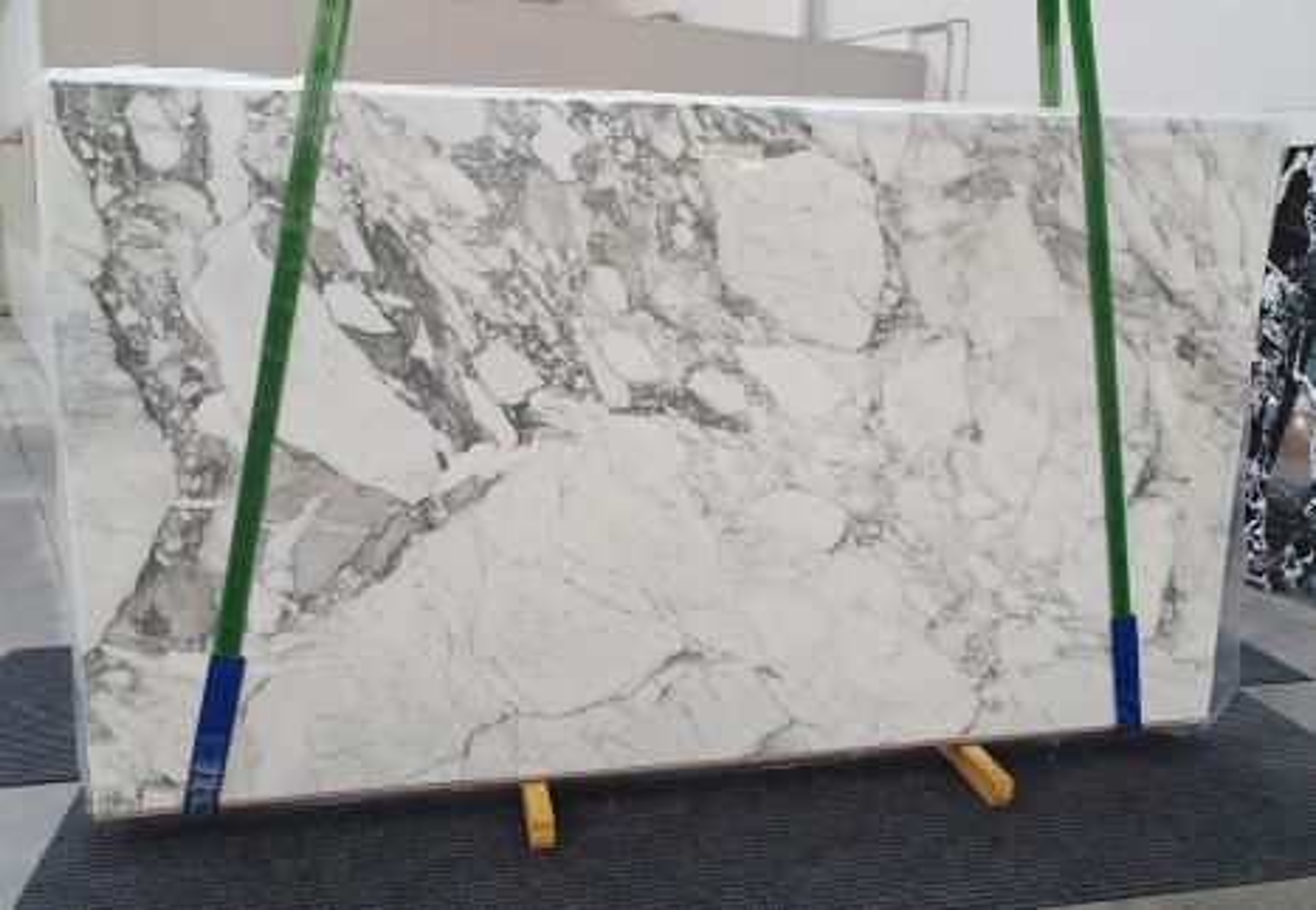 CALACATTA VAGLI Supply Veneto (Italy) polished slabs 1300 , Slab #24 natural marble
