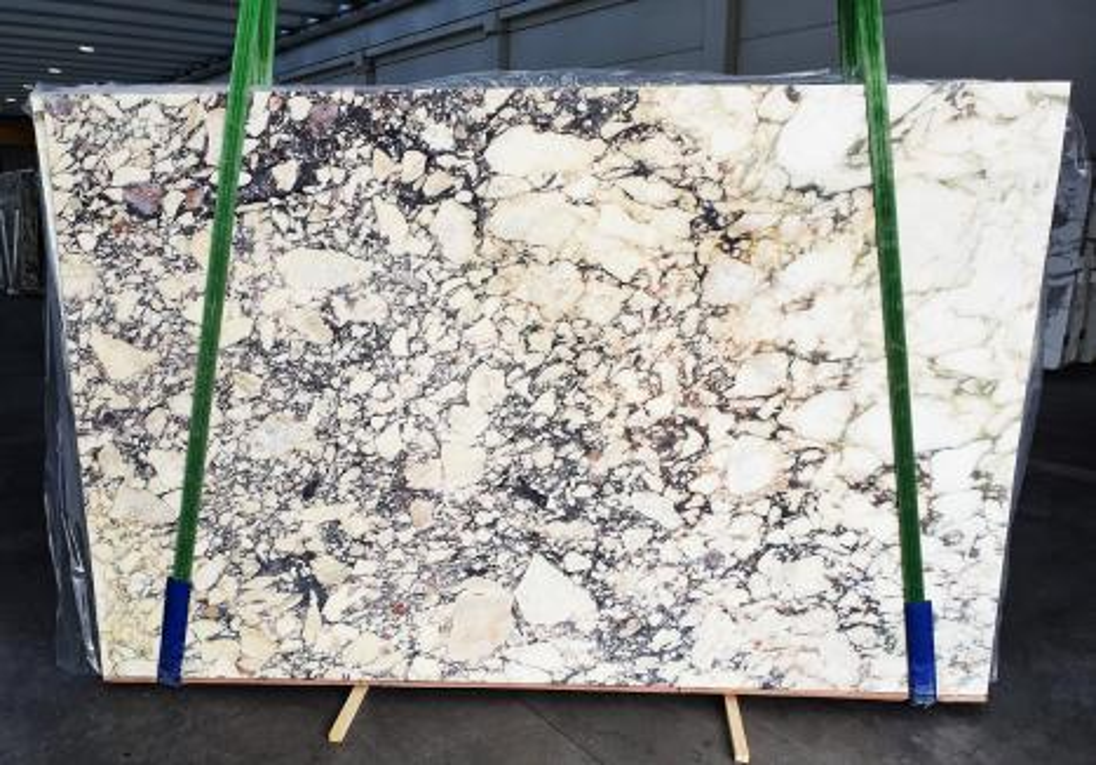 CALACATTA VIOLA Supply Veneto (Italy) polished slabs 1291 , Slab #26 natural marble