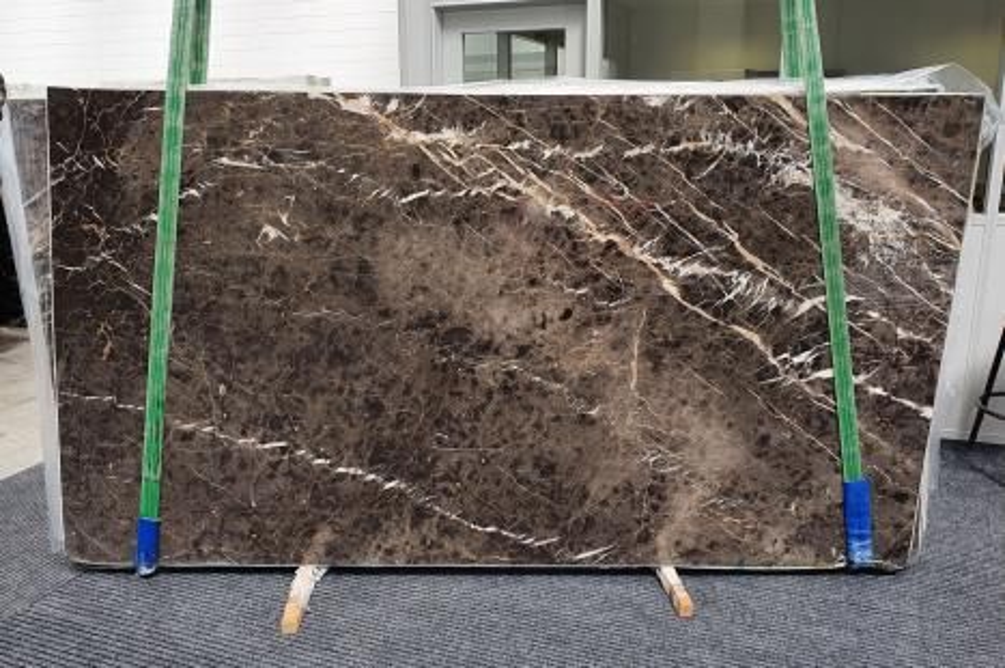 MARRON IRIS Supply Veneto (Italy) polished slabs 1404 , Slab #10 natural marble