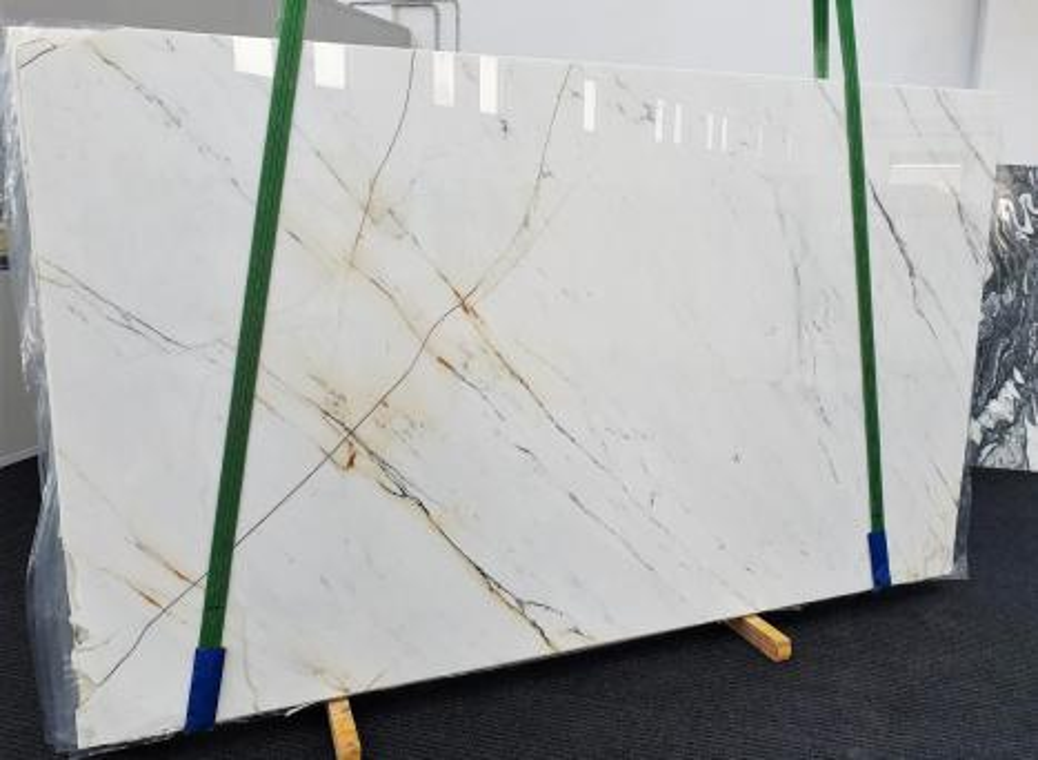 PAONAZZO Supply Veneto (Italy) polished slabs 1432 , Slab #01 natural marble