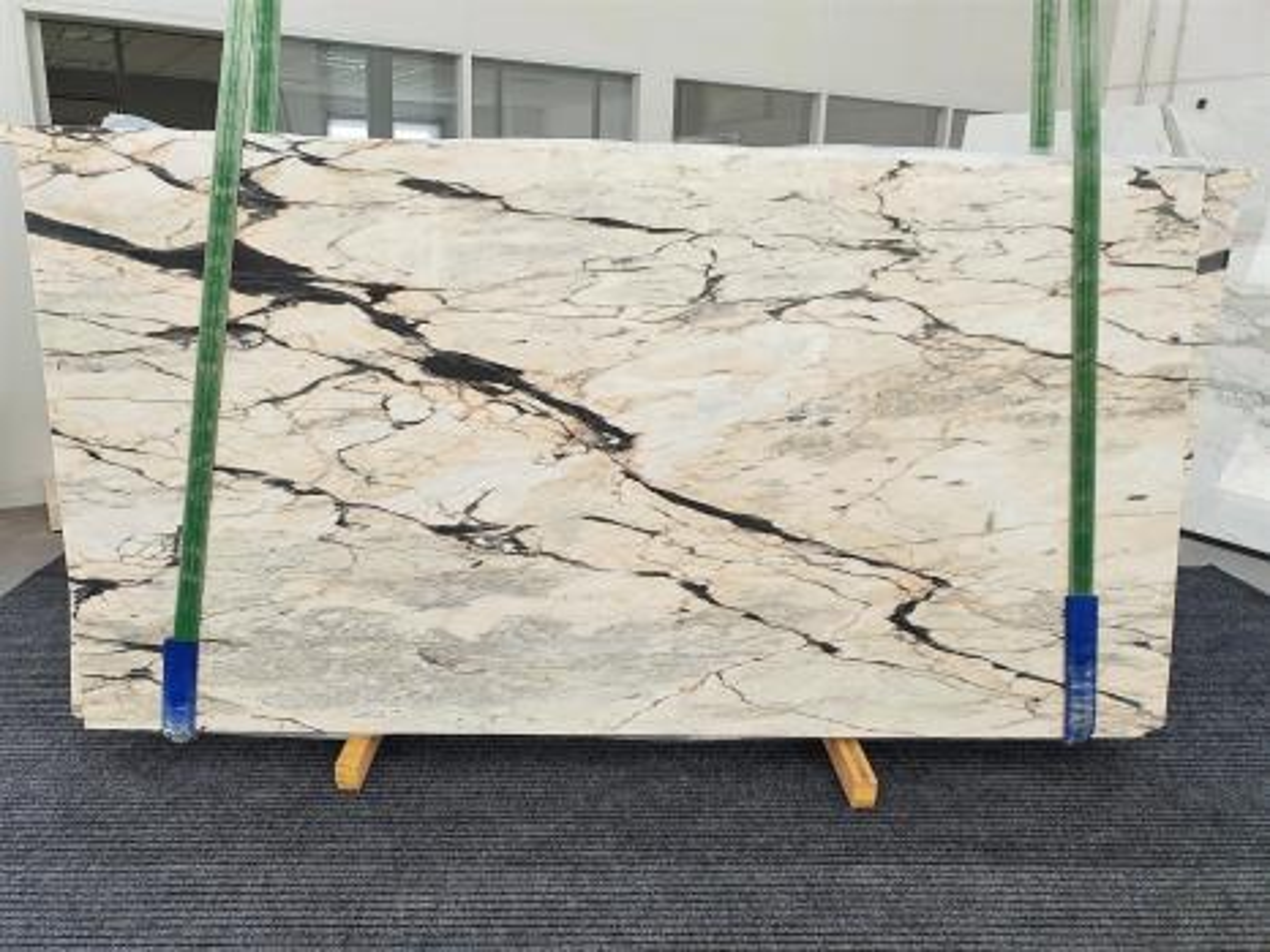 STATUARIO CORAL Supply Veneto (Italy) polished slabs 1328 , Bundle #02 natural marble