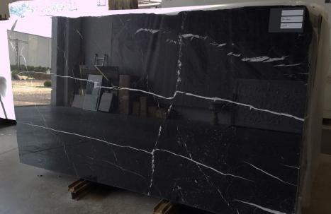 NERO MARQUINA 20 slabs polished Spanish marble SL2CM,  113 x 59.1 x 0.8 ˮ natural stone (available in Verona, Italy)