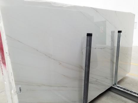 CALACATTA LINCOLN GOLD VEIN 29 slabs polished Italian marble SL2,  128 x 68.1 x 0.8 ˮ natural stone (available in Veneto, Italy)