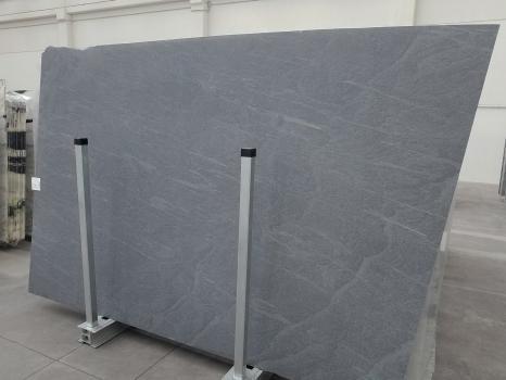 PIETRA DI CARDOSO 16 slabs honed Italian limestone SL2CM,  118.5 x 78.7 x 0.8 ˮ natural stone (available in Veneto, Italy)