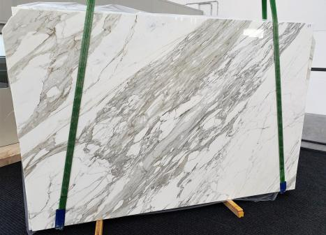 CALACATTAslab polished Italian marble C - slab #17,  118.1 x 78.7 x 1.2 ˮ natural stone (available in Veneto, Italy)