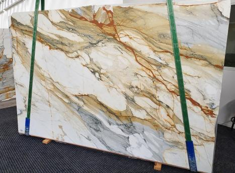 CALACATTA MACCHIAVECCHIAslab polished Italian marble Slab #11,  118.1 x 76.8 x 0.8 ˮ natural stone (available in Veneto, Italy)